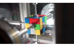 Робот обновил рекорд по сборке кубика Рубика